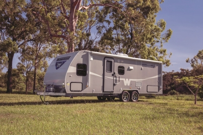 Winnebago-Minnie-2206-AUS